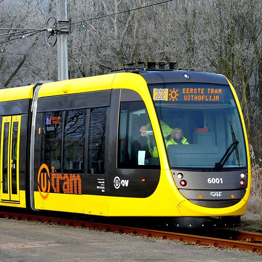 From today onwards with tram 22 to the Máxima