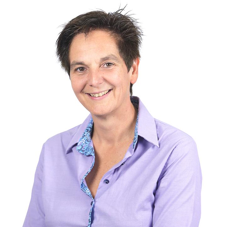 Dr. Esther Hulleman